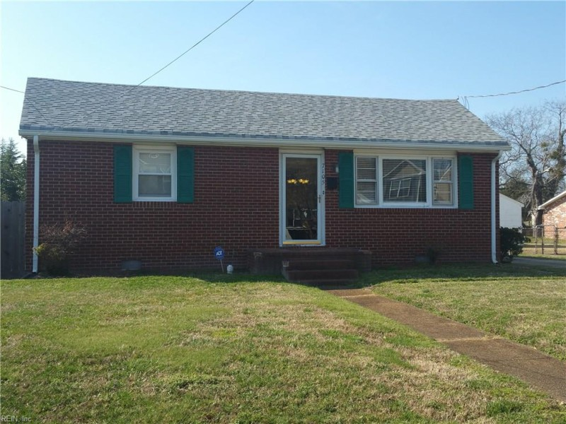 Photo 1 of 17 residential for sale in Norfolk virginia