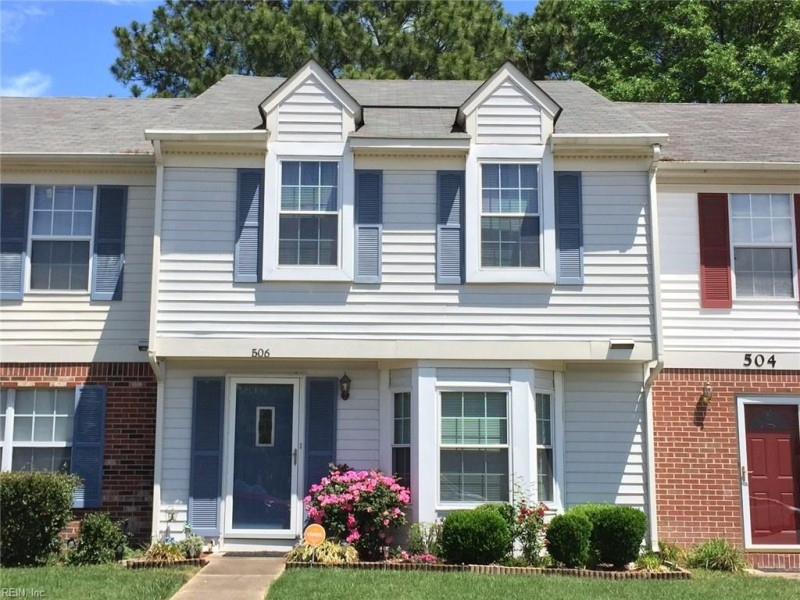Photo 1 of 17 residential for sale in Hampton virginia
