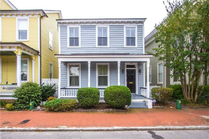 Photo 1 of 32 residential for sale in Portsmouth virginia