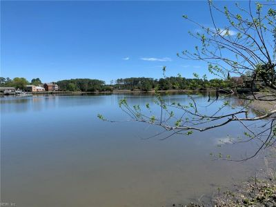 property image for 3 Lakeview Drive POQUOSON VA 23662