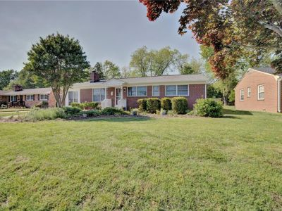 property image for 8 Lakeview Drive NEWPORT NEWS VA 23602