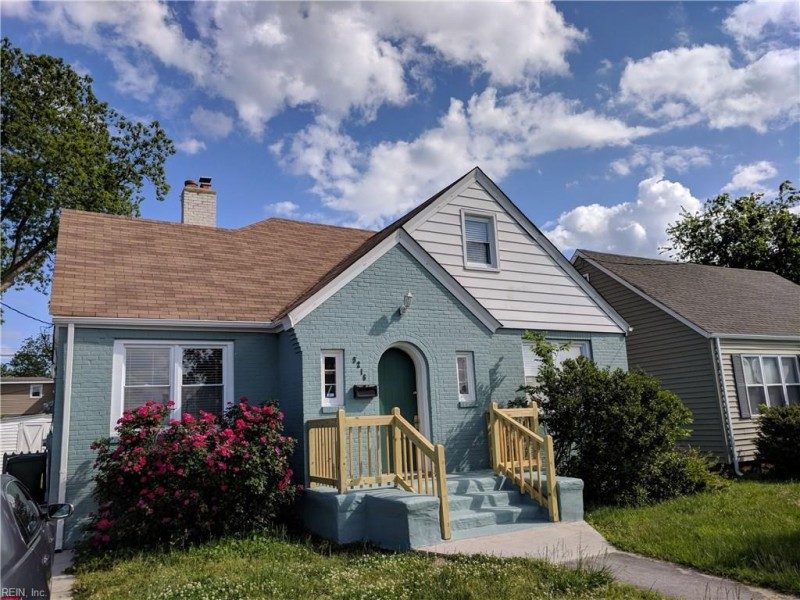 Photo 1 of 31 residential for sale in Norfolk virginia