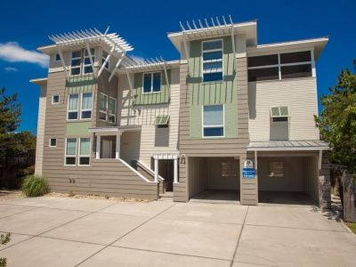 property image for 2908 Sandpiper Road VIRGINIA BEACH VA 23456