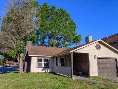 property image for 621 Pine Lake Drive VIRGINIA BEACH VA 23462