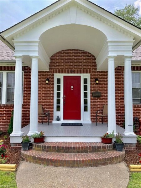 Photo 1 of 43 residential for sale in Hampton virginia