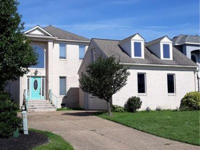 property image for 21 Bay Front Place HAMPTON VA 23664