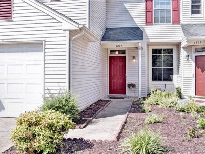 property image for 1207 Mill Pond Court NEWPORT NEWS VA 23602