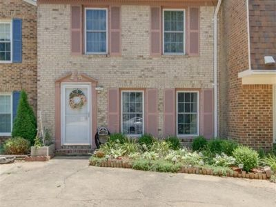property image for 402 Biltmore Court VIRGINIA BEACH VA 23454