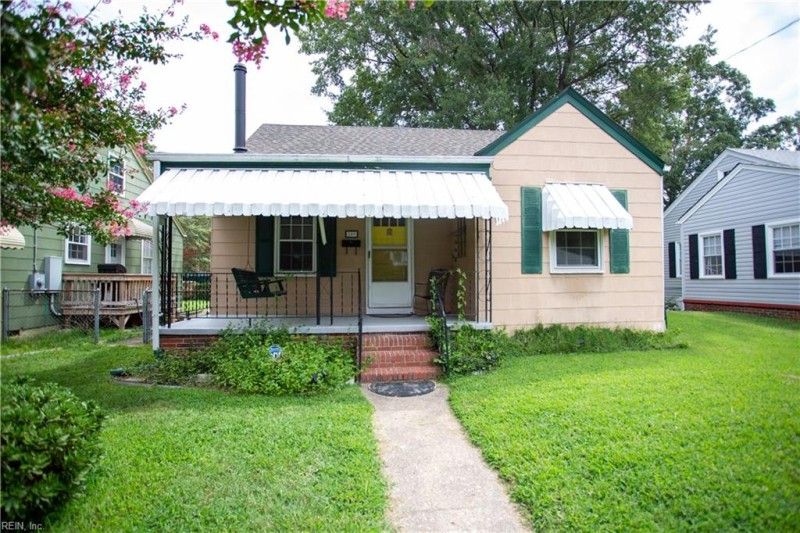 Photo 1 of 16 residential for sale in Portsmouth virginia
