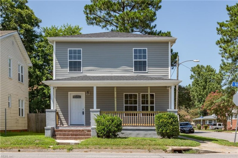 Photo 1 of 32 residential for sale in Norfolk virginia