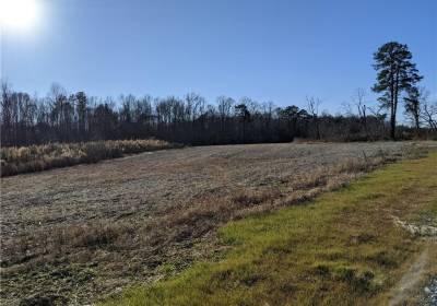 Par 4 Woods Cross Road, Gloucester County, VA 23061