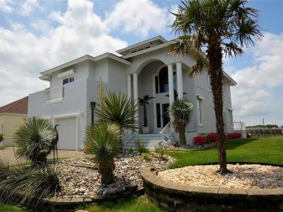 property image for 41 Bay Front Place HAMPTON VA 23664