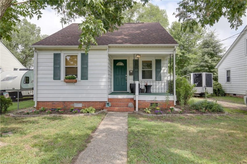 Photo 1 of 34 residential for sale in Hampton virginia