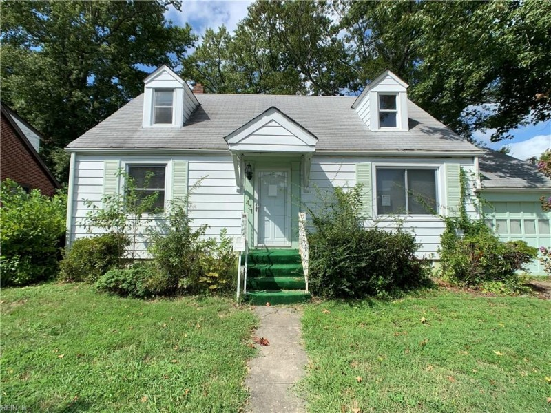 Photo 1 of 39 residential for sale in Hampton virginia