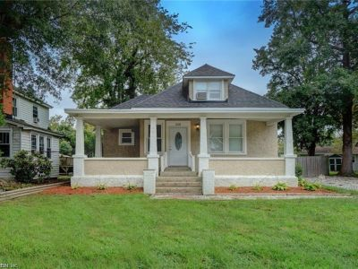 property image for 208 Locust Avenue HAMPTON VA 23661