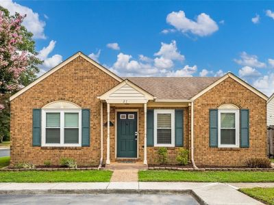 property image for 27 N Lake Loop HAMPTON VA 23666