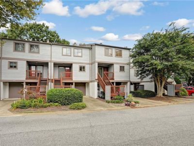 property image for 135 Mill Point Drive HAMPTON VA 23669