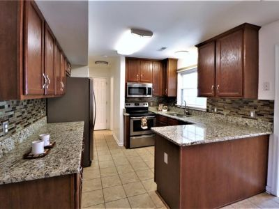 property image for 165 Colony Road NEWPORT NEWS VA 23602