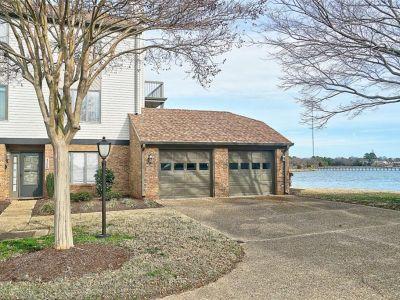 property image for 4229 Hatton Point Lane PORTSMOUTH VA 23703