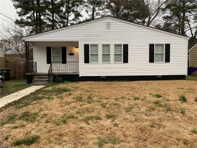 property image for 611 Willow Drive NEWPORT NEWS VA 23605