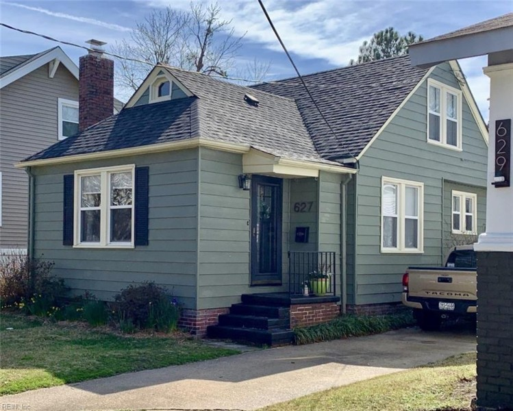 Photo 1 of 27 residential for sale in Norfolk virginia