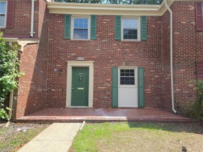 property image for 14563 Old Courthouse Way NEWPORT NEWS VA 23608