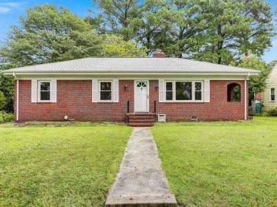 property image for 8816 Commodore Drive NORFOLK VA 23503