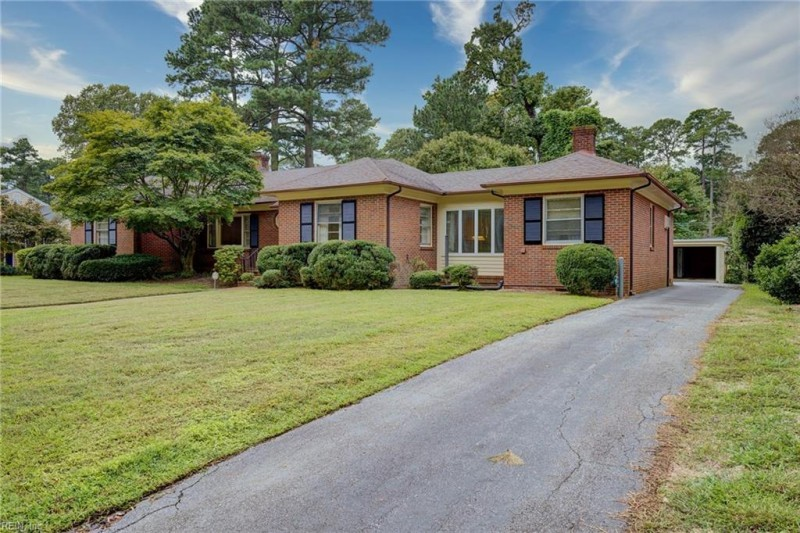 Photo 1 of 25 residential for sale in Suffolk virginia