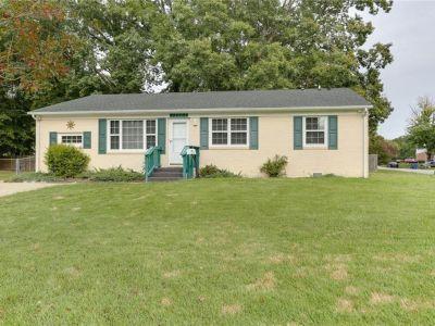 property image for 13203 Aqueduct Drive NEWPORT NEWS VA 23602