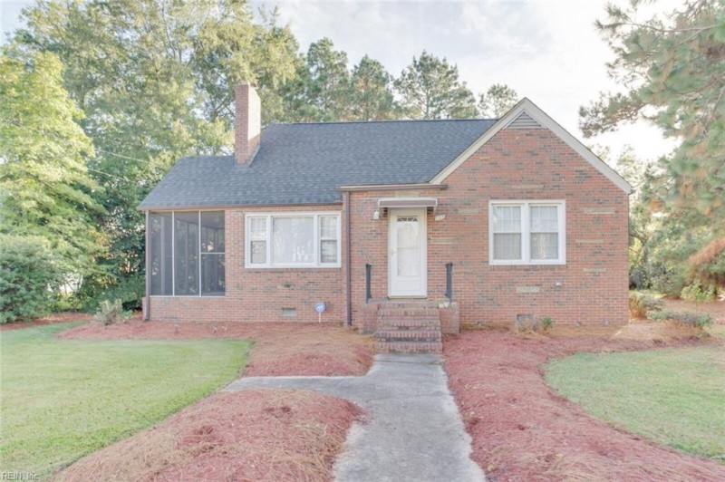 Photo 1 of 36 residential for sale in Chesapeake virginia