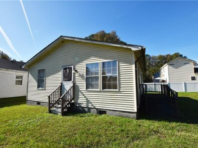 property image for 4945 Townpoint Road SUFFOLK VA 23435
