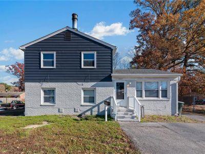 property image for 13207 Aqueduct Drive NEWPORT NEWS VA 23602