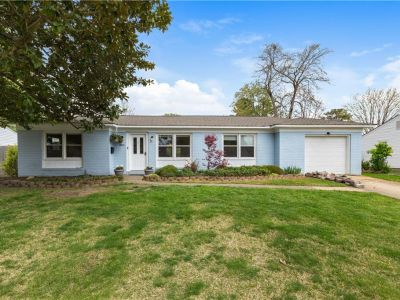 property image for 3812 Colonial Parkway VIRGINIA BEACH VA 23452