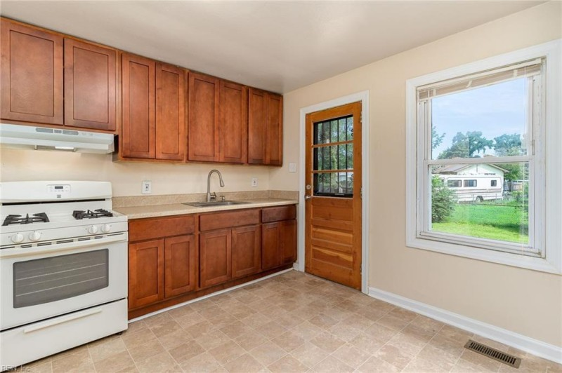 Photo 1 of 26 residential for sale in Portsmouth virginia