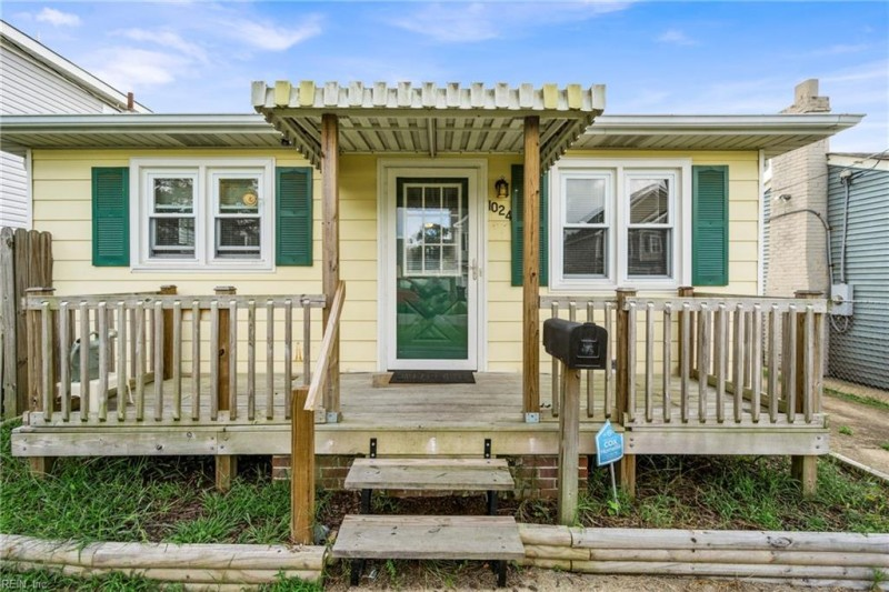 Photo 1 of 38 residential for sale in Chesapeake virginia