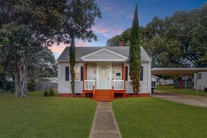 property image for 619 Decatur Newport News VA 23605