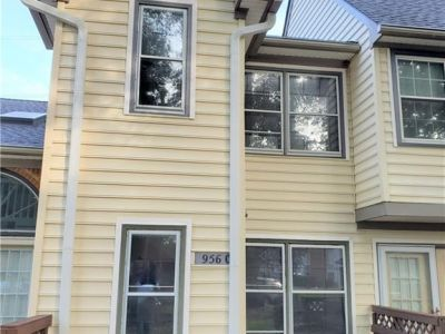 property image for 956 Saint Andrews Reach CHESAPEAKE VA 23320