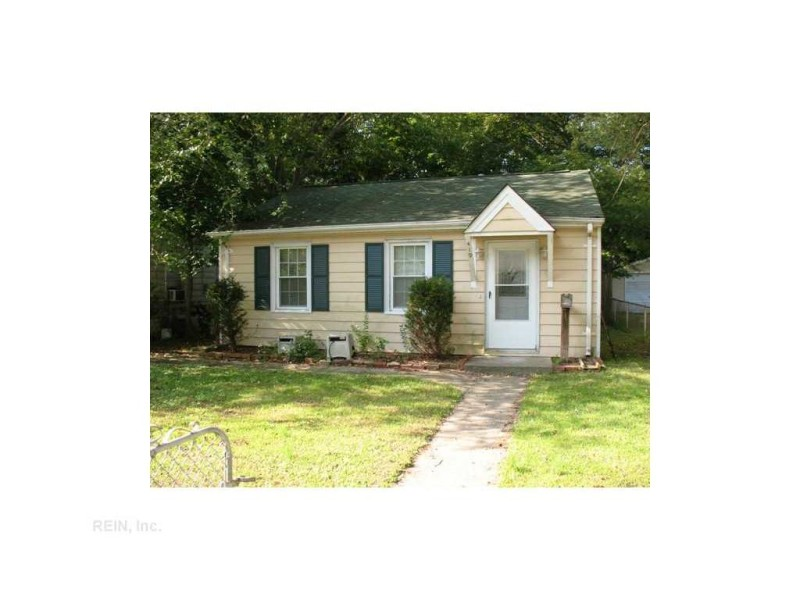 Photo 1 of 13 residential for sale in Hampton virginia